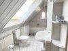 VERKAUFT! Alleinlage - Bauernhaus mit gewerblichen Nebengebäuden - Badezimmer Obergeschoss