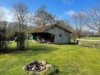 VERKAUFT! Alleinlage - Bauernhaus mit gewerblichen Nebengebäuden - Abstellgebäude mit Schirm