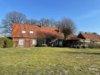 VERKAUFT! Alleinlage - Bauernhaus mit gewerblichen Nebengebäuden - Straßenansicht